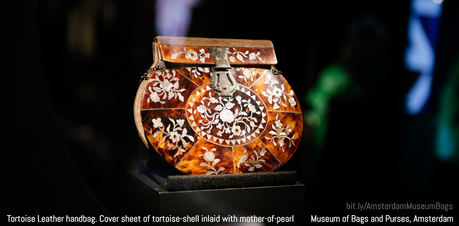 Tortoise Leather handbag with cover sheet of tortoise-shell inlaid with mother-of-pearl