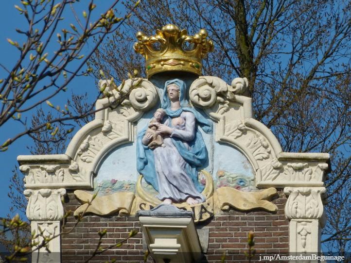 Maria with child at Begijnhof