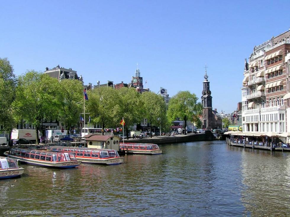 tour boats near Muntplein, Amsterdam